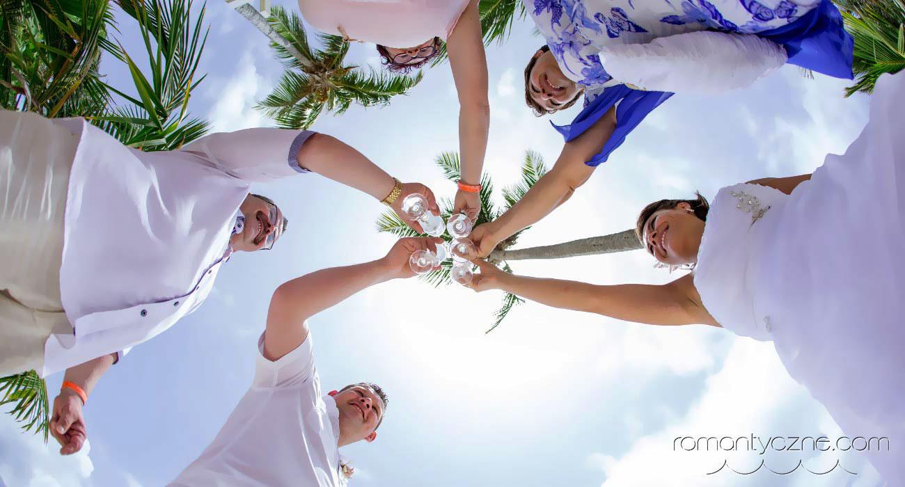 Ślub w Dominikanie a ślub w Polsce