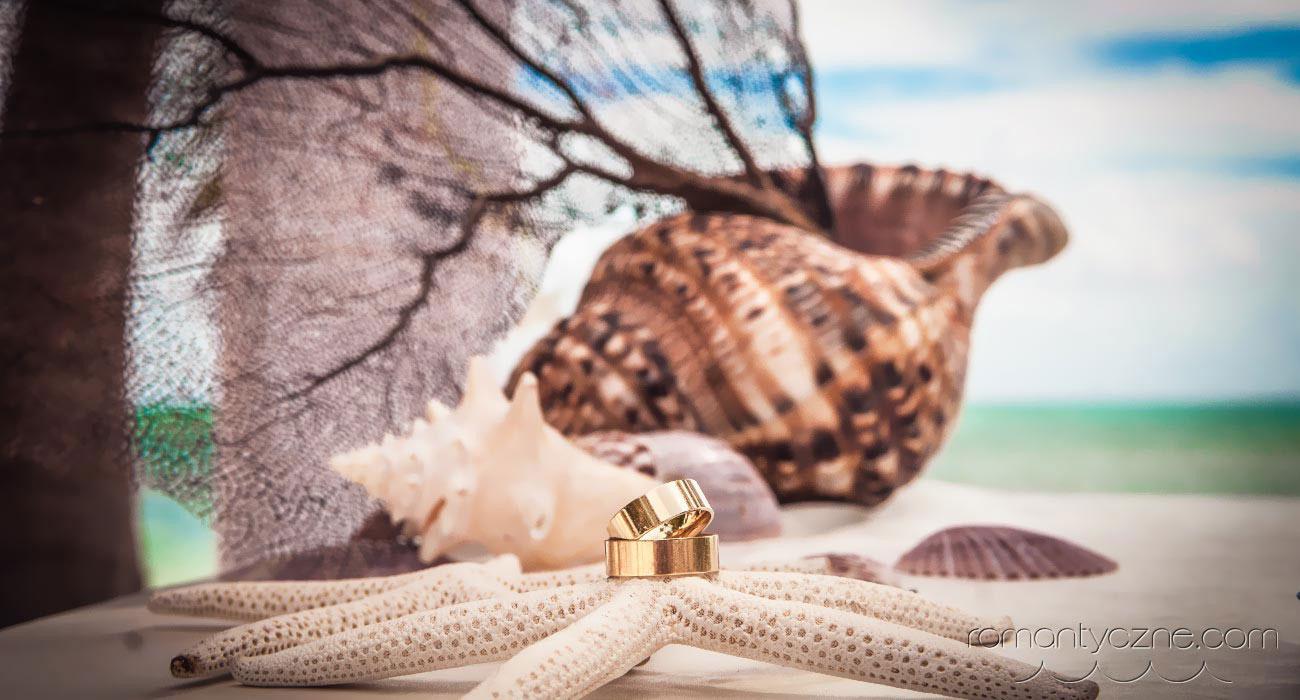 Dekoracje ślubów na plaży