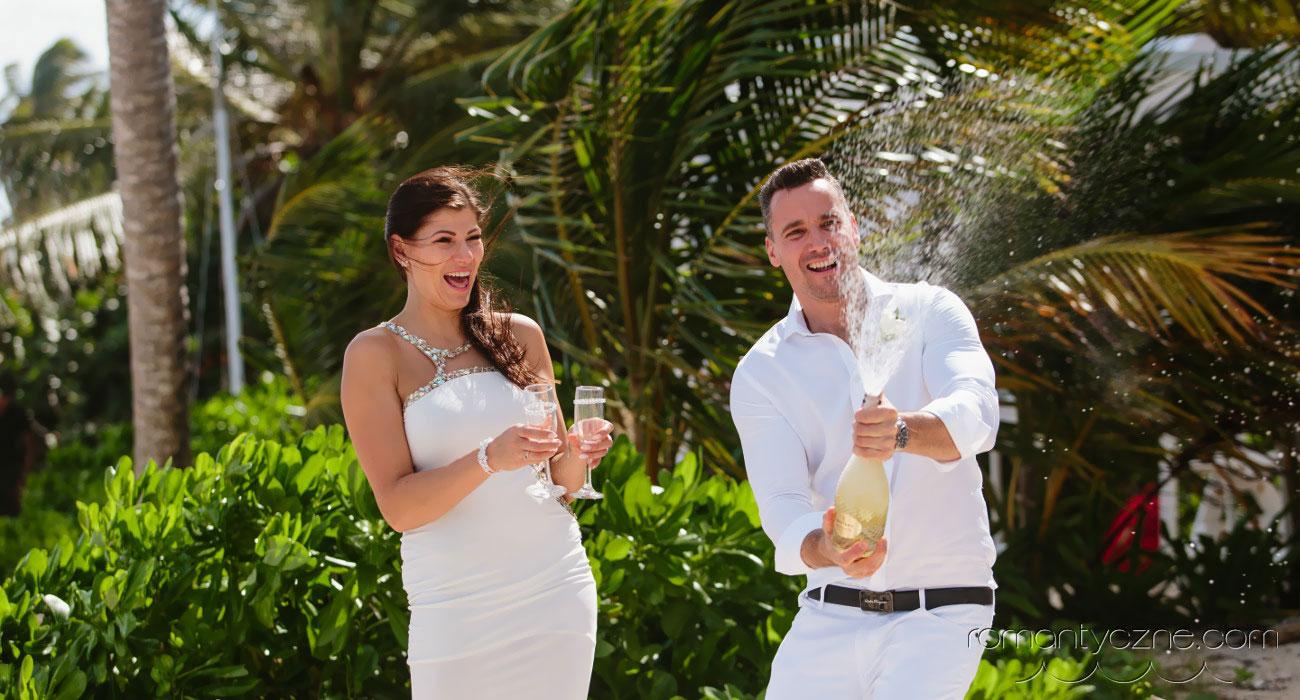 6 zalet ślubu na plaży