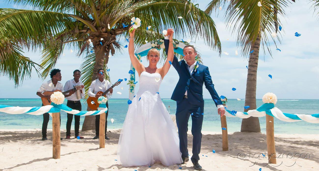 Ślub z podróżą poślubną – to się opłaca