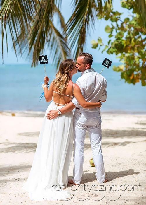 Śluby oficjalne na tropikalnej plaży, Karaiby