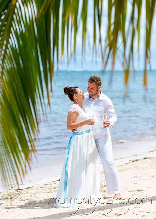 Zaręczyny na tropikalnej plaży, zagraniczne podróże poślubne