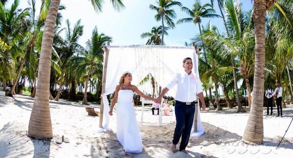 Nieszablonowy ślub na rajskiej plaży, podróże poślubne na Karaibach