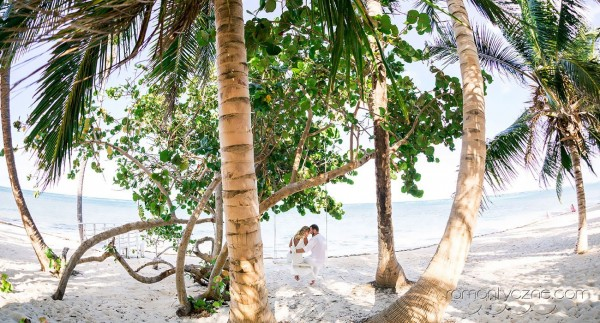 Ceremonie ślubne na rajskiej plaży, zagraniczne podróże poślubne
