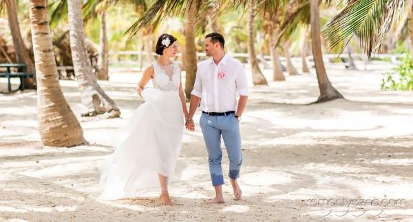 Ceremonia ślubna, wśród palm Saony