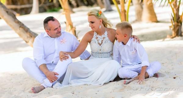 Na rajskiej plaży, rodzinnie