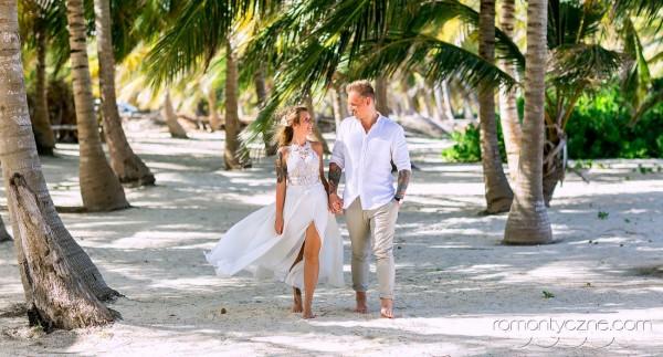 Spacer wśród palm, organizacja ślubów, wyspa Saona