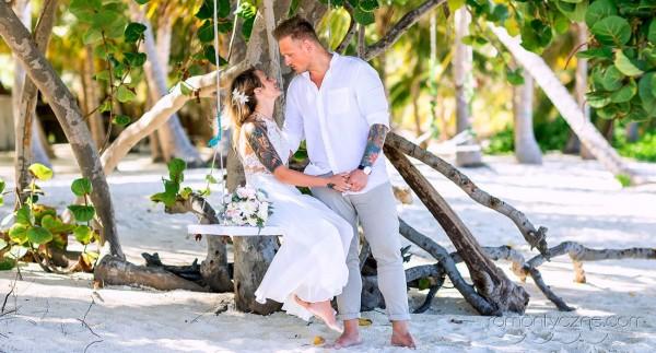 Wyspa Saona, śluby na plaży, na huśtawce
