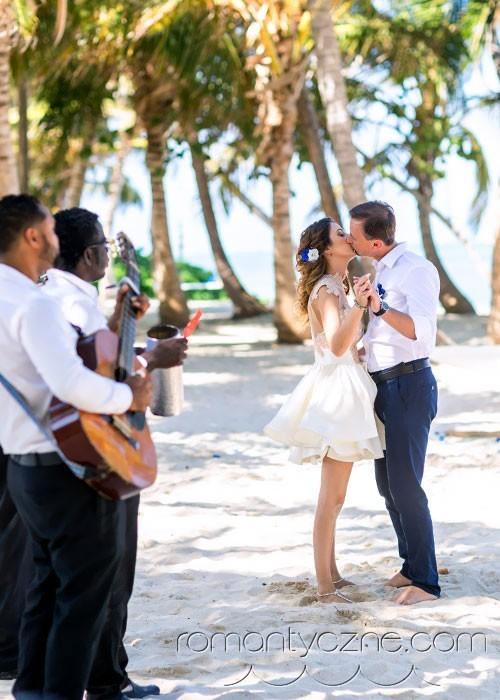 W rytmie karaibskich dźwięków, ślub na plaży
