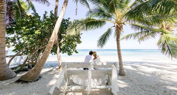 Na karaibskiej plaży we dwoje