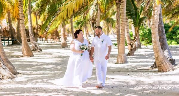 Niezapomniane chwile zaślubin na plaży