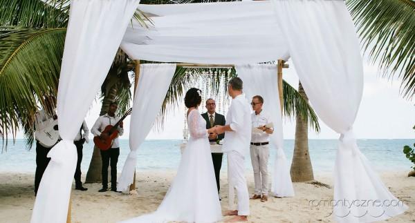 Nieszablonowy ślub na prywatnej plaży, organizacja ceremonii