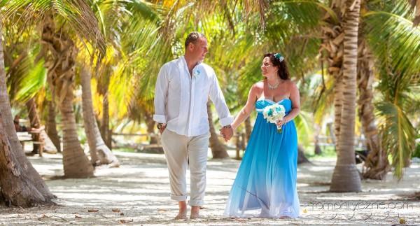 Śluby oficjalne na tropikalnej plaży, zagraniczne podróże poślubne