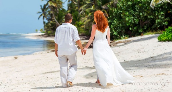 Śluby oficjalne kolacja dla dwojga, zagraniczne podróże poślubne