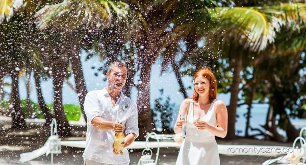 Śluby oficjalne na prywatnej plaży, romantyczne ceremonie