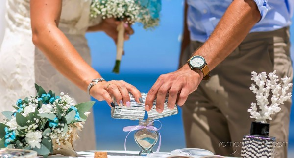 Ceremonie symboliczne na plaży