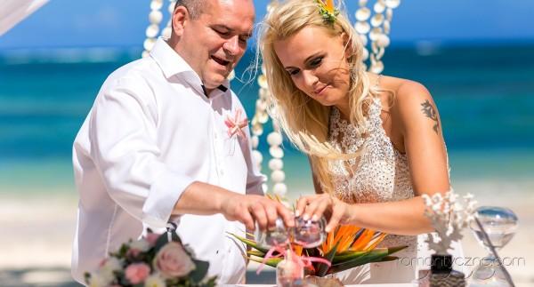 Śluby oficjalne na rajskiej plaży
