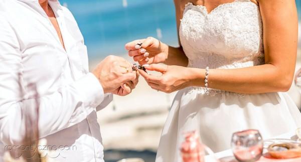 Ceremonie zaślubin na plaży