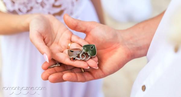 Organizacja ślubów na plaży, symbol wierności małżeńskiej