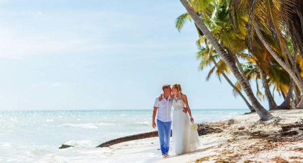 Nieszablonowy ślub na tropikalnej plaży, organizacja ceremonii