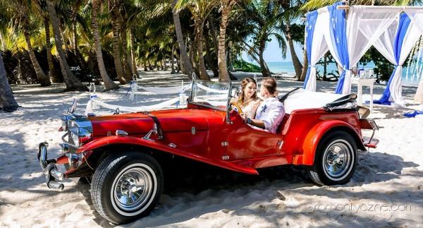 Śluby oficjalne i symboliczna, Dominikana