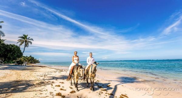 Nieszablonowy ślub Saona Island, konno po plaży