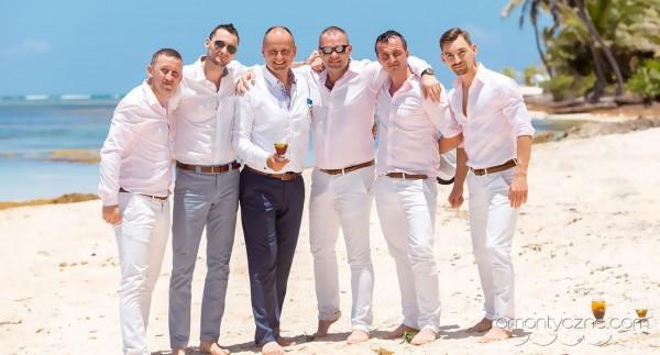 Zaręczyny na tropikalnej plaży, romantyczne ceremonie