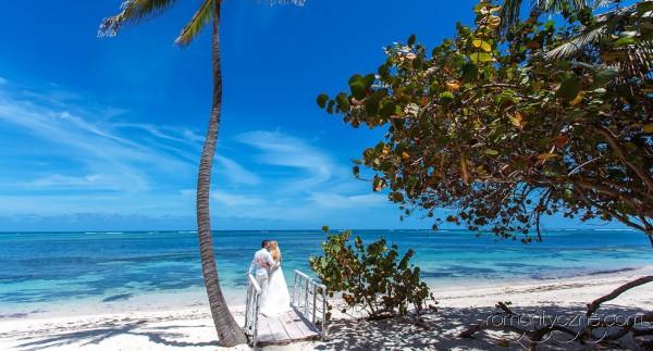 Ceremonie ślubne na prywatnej plaży, zagraniczne podróże poślubne