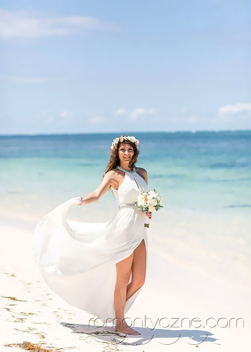 Kreacja ślubna na plażę