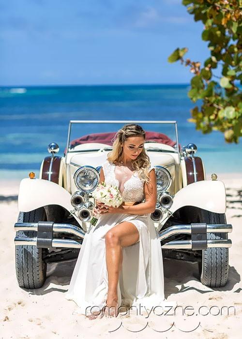 Podróże poślubne, samochodem po plaży