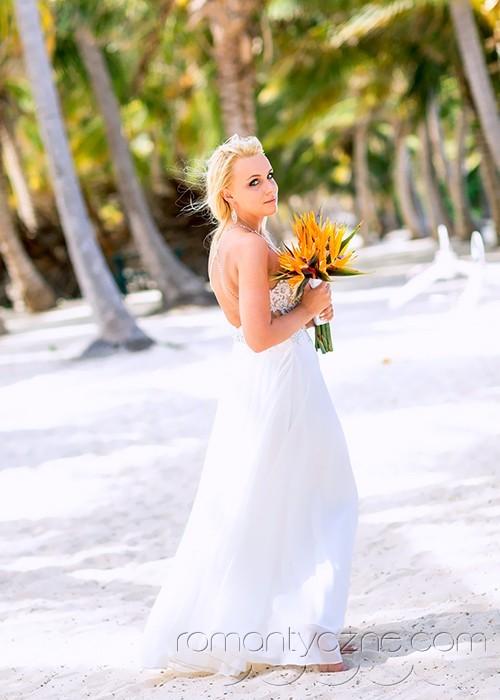 Niesamowita kreacja ślubna na plażę