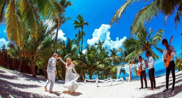 Nieszablonowy ślub na dominikańskiej plaży, zagraniczne podróże poślubne