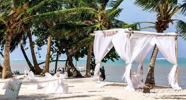 Ślub na plaży, tropikalne śluby