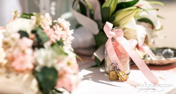 Ceremonie ślubne na prywatnej plaży, podróże poślubne na Karaibach