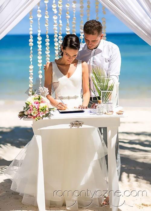 Prywatna plaża dla nowożeńców