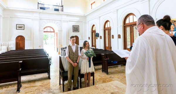 Kościelny ślub w tropikach, Dominikana