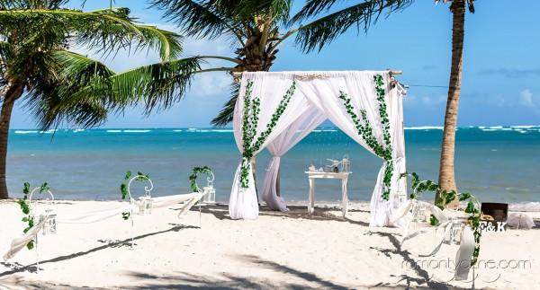 Ceremonie ślubne wśród palm