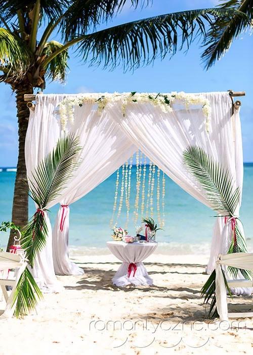 Śluby symboliczne na prywatnej plaży