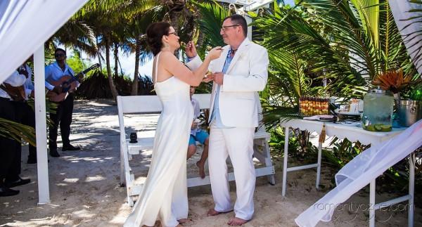Śluby symboliczne na prywatnej plaży, podróże poślubne na Karaibach