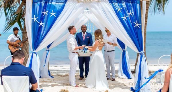 Nieszablonowy ślub na tropikalnej plaży, romantyczne ceremonie