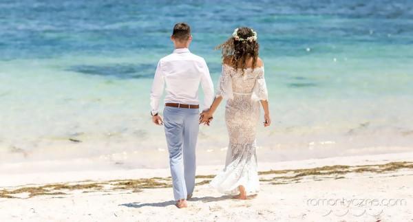 Ceremonia ślubna, spacer po plaży