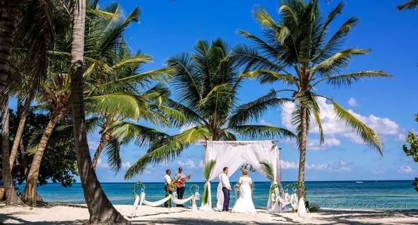 Oficjalny ślub na plaży, Dominikana