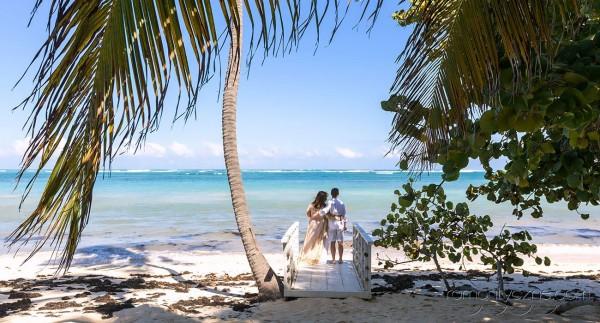 Prywatna plaża dla nowożeńców i zakochanych