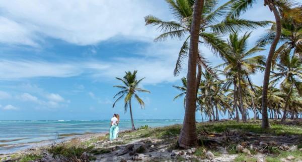 Śluby za granicą na rajskiej plaży, podróże poślubne na Karaibach