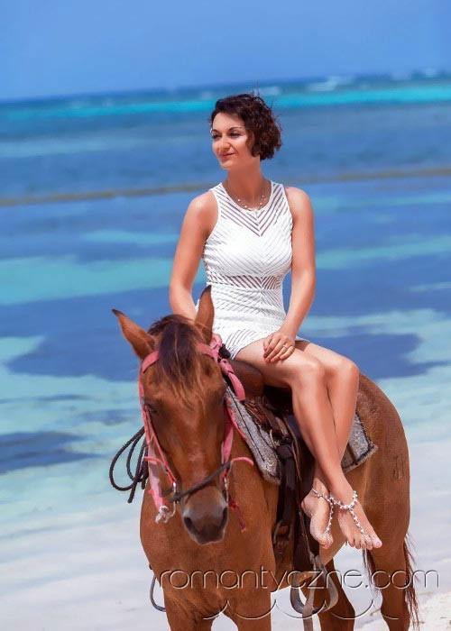 Zaręczyny na tropikalnej plaży, podróże poślubne na Karaibach