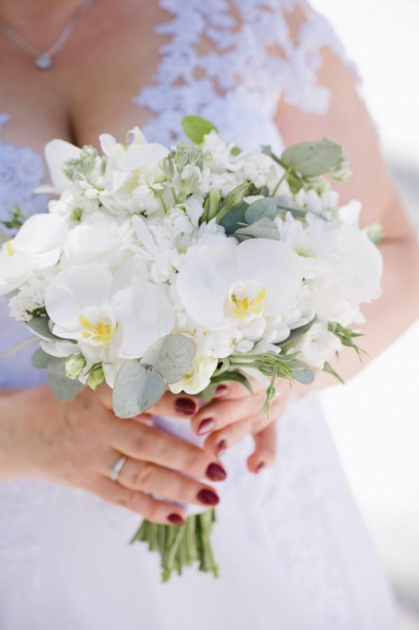 Ceremonie ślubne na tropikalnej plaży, romantyczne ceremonie