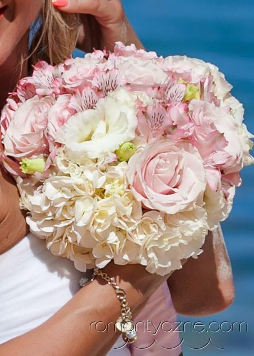 Nieszablonowy ślub na rajskiej plaży, tropikalne śluby