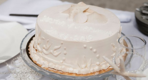Wyjątkowy ślub na Karaibach, słodkie inspiracje, ślubny tort