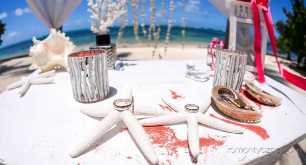 Romantyczne chwile, obrączki, przygotowania do ślubu
